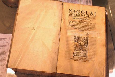 Nicolás Copérnico, padre de la Astronomía Moderna