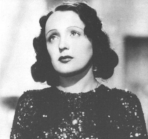 Edith Piaf, el pequeño gorrión de París